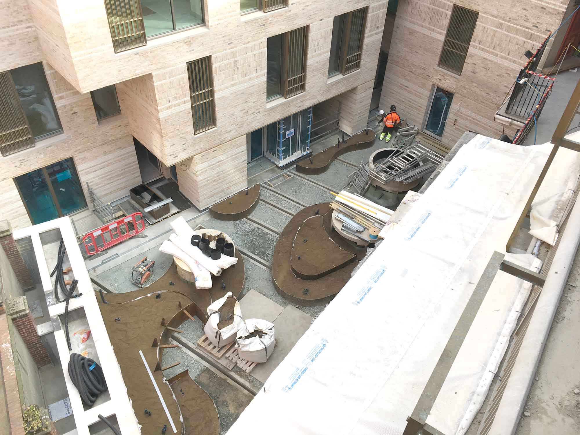 openstudio-architects-westminster-fire-station-courtyard